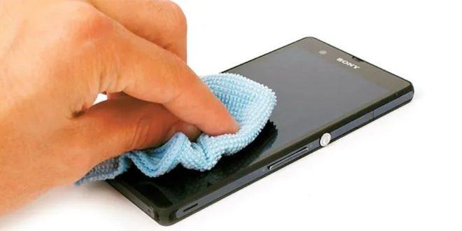 Como limpiar el móvil corona virus Sanchis asesores